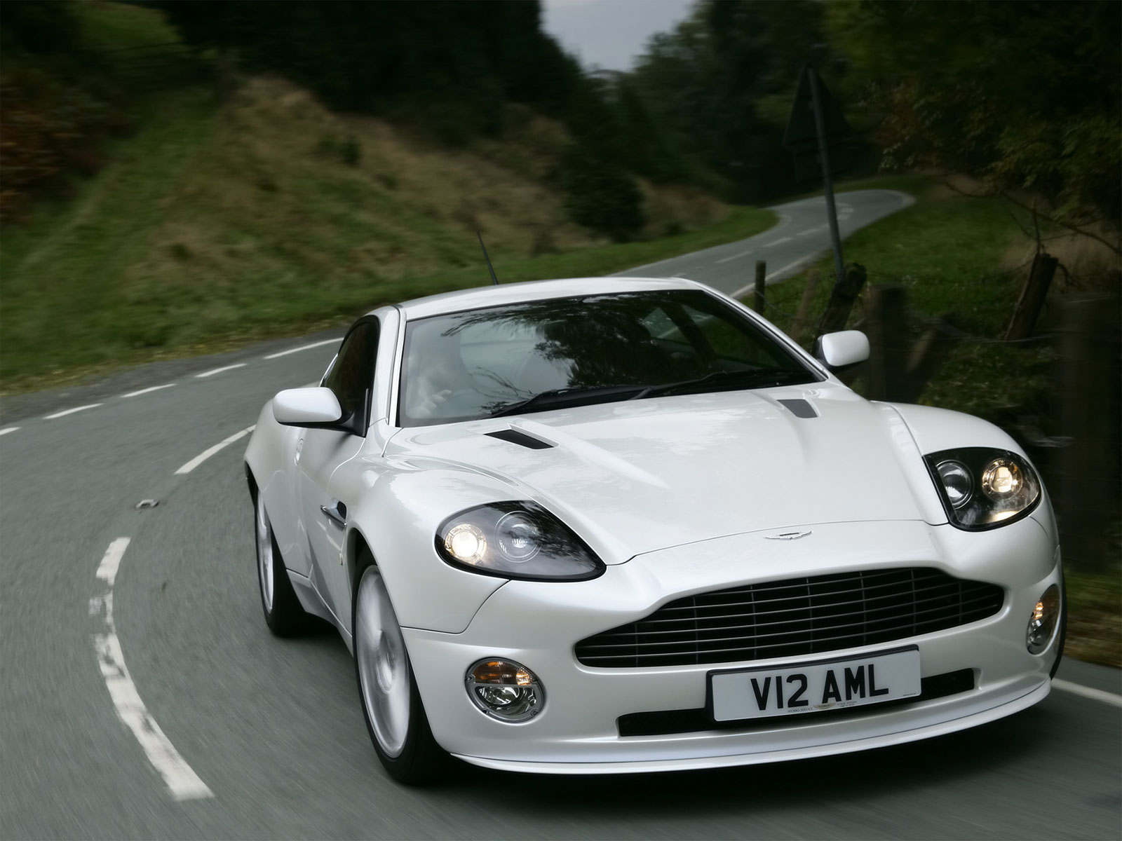 edward cullen s aston martin vanquish. Black Bedroom Furniture Sets. Home Design Ideas